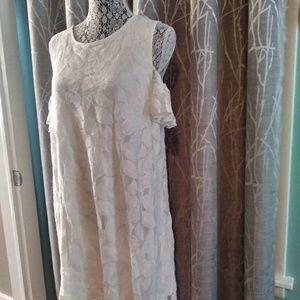 Dresses & Skirts - NWT Cold Shoulder Dress